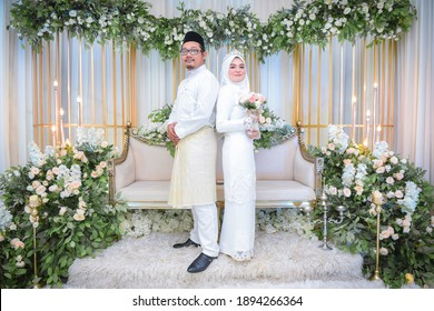 jakarta, indonesia - december 10 2020: photo series of indonesia traditional wedding or known as akad nikah