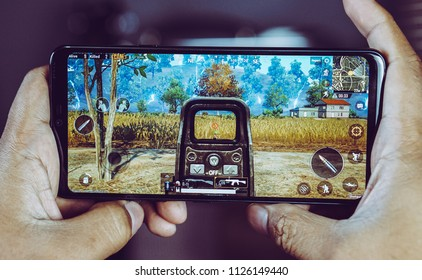 Jakarta, Indonesia - July 3, 2018. The LG G7 ThinQ powered by the Snapdragon 845 mobile platform and play game PUBG Mobile.