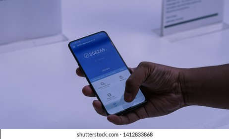 Jakarta, Indonesia - June 1, 2019: The OPPO Reno 10x Zoom powered by the latest Snapdragon 855 chipset and scores a total of 356.266 on AnTuTu.