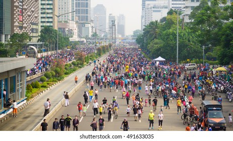 JAKARTA, INDONESIA - SEPTEMBER 18, 2016: People at Car Free Day, Jakarta, Indonesia.