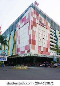 Jakarta, Indonesia, September 22th 2019 : Pasar Jaya, View of Mayestik Market. Contains a wide variety of traditional stores where you can find many options for fabrics of all kinds.