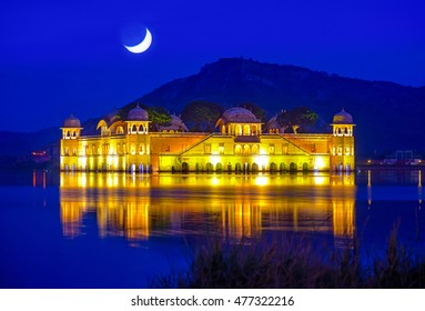 Jal Mahal (Water Palace) was built during the 18th century in the middle of Man Sager Lake.  Jaipur, Rajasthan, India.