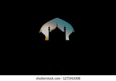 Jama Masjid sihlouette.