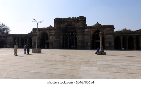 Jama Masjid/Jami/ Jumma Mosque, is located in Ahmedabad, Gujarat, India. It is said to be built in 1424 during the reign of Ahmed Shah I - 24th December 2017