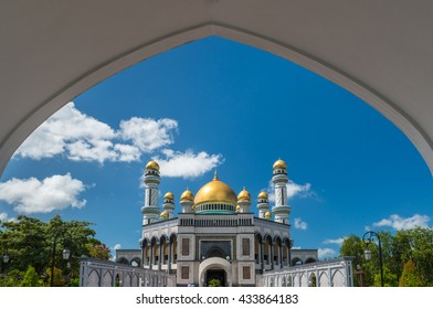 Jame'Asr Hassanil Bolkiah Mosque in Bandar Seri Begawan, Brunei.