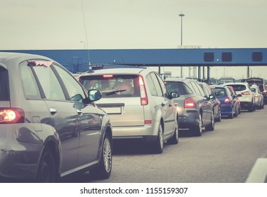 Jammed vehicles in the highway
