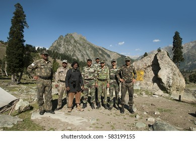 JAMMU AND KASHMIR,  25 SEPTEMBER 2015 : Unknown Indian frontier guard. Indian Army checkpoint.