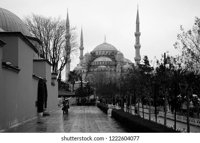 JAN 4, 2018, ISTANBUL, TURKEY : Beautiful architecture of Blue mosque Istanbul, Sultanahmet park. Pathway to the biggest mosque in Istanbul with tourists.