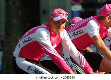 Jan Ullrich - T-Mobile Team on the Champs Elysees, Paris 2004 Tour de France