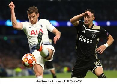 Jan Vertonghen of Tottenham Hotspur and  Dusan Tadic of Ajax - Tottenham Hotspur v Ajax, UEFA Champions League Semi Final - 1st Leg, Tottenham Hotspur Stadium, London - 30th April 2019