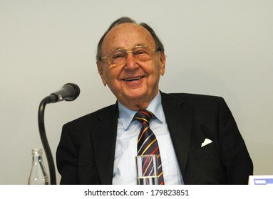 JANUARY 17, 2007 - BERLIN: Former German Foreign Minister Hans-Dietrich Genscher at the presentation of a tv documentary about him in Berlin.