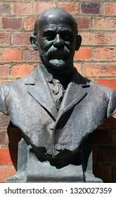 JANUARY 2018 - MELBOURNE: bust of Carlo Catani, Australia.
