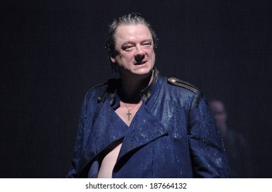 "JANUARY 26, 2007 - BERLIN: Peter Kurth in a scene of the theater play ""Prinz Friedrich von Homburg"" (by Heinrich von Kleist, director: Armin Petras), Maxim-Gorki-Theater, Berlin."