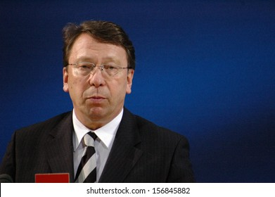 JANUARY 9, 2005 - BERLIN: Klaus-Uwe Benneter at a press conference in the Willy Brandt-Haus, Berlin.