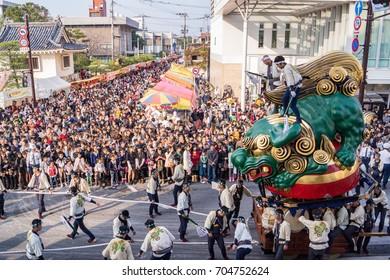 Japan. Karatsu. 4 november 2013 Karatsu kunchi festival the Green lion float built by the Naka-machi district