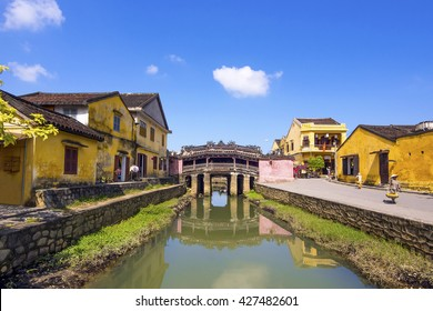Japanese Covered Bridge in Hoi An Ancient Town, Vietnam.
