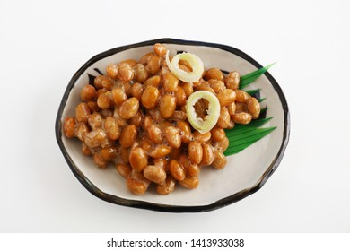 Japanese cuisine fermented soybeans in a dish.