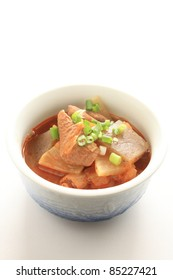 Japanese cuisine, pork inards and radish simmered