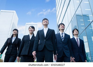 Japanese new society who stand in the office