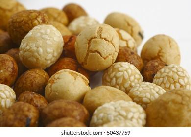 japanese peanut crackres