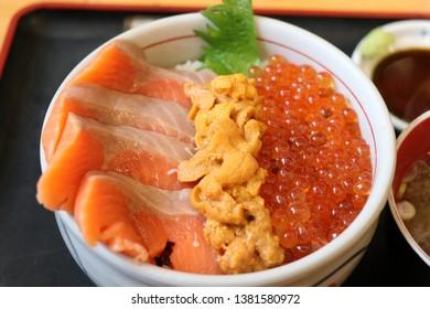 Japanese Sashimi Don, Uni Don, Salmon Sashimi, Roe