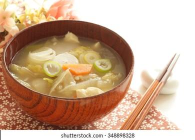 Japanese vegetarian food, Kenchinjiru miso soup