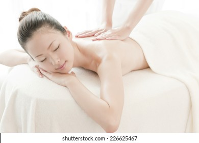 Japanese woman receiving oil massage