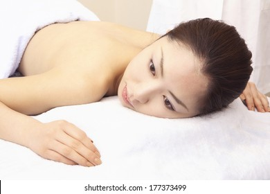 Japanese women having Beauty treatment in beauty salon