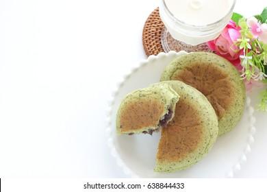 Japanese Yomogi Mugwort bun and milk