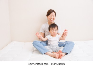 Japanese young mother, child care
