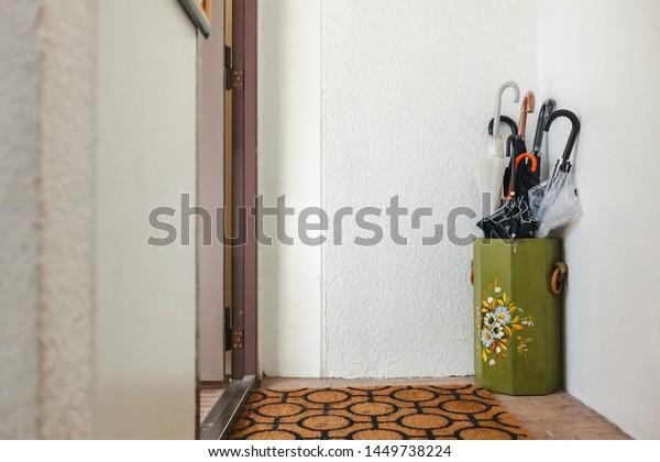 japanese youth hostel room decoration