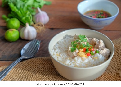 Jasmine rice and minced pork with soup