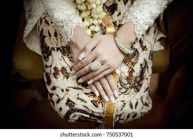 Javanese Bride Hands