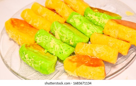 Javanese food and drinks, Indonesian food,sweet and delicious Pukis cakes for the Idul Fitri holiday