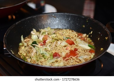 Javanese noodles used to be known as boiled noodles or in Javanese called Bakmi godhog cooked with herbs and spices that are typical of Javanese cuisine.
