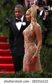 Jay Z and Beyonce Knowles attend the Costume Institute benefit gala at the Metropolitan Museum of Art on May 4, 2015 in New York.
