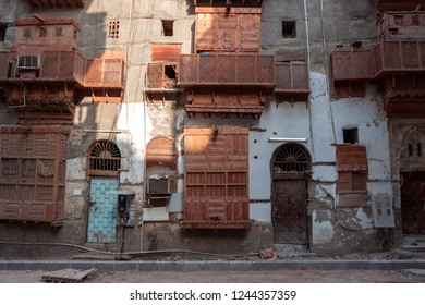 JEDDAH, SAUDI ARABIA - OCT 12 2016: Renewal is ongoing, old building of Al Balad old historical district are being rebuilt in Jeddah. UNESCO world heritage site