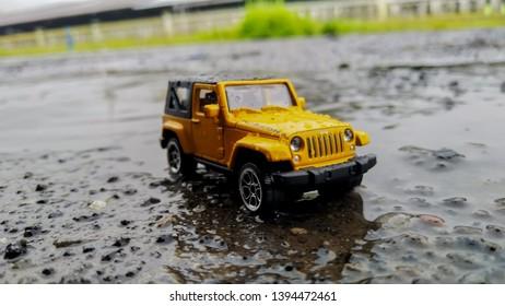 Jeep Rubicon Diecast Car miniature