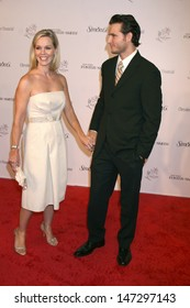 Jennie Garth & Peter Facinelli   arriving at the 11th Annual Lili Claire Foundation Benefit Dinner & Concert Gala  at the Santa Monica Civic Center  in Santa Monica,  CA on October 4, 2008