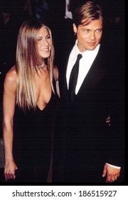 Jennifer Aniston and Brad Pitt, attend the Vanity Fair Party, after the Academy Awards, 3/26/2000