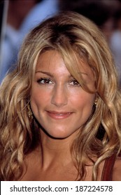 Jennifer Esposito at premiere of MR DEEDS, NY 6/18/2002