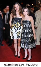 "Jennifer Garner (left) & Ellen Page at the Los Angeles premiere of their new movie ""Juno"" at Mann Village Theatre, Westwood. December 3, 2007  Los Angeles, CA Picture: Paul Smith / Featureflash"
