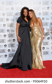 JENNIFER HUDSON (left) & BEYONCE KNOWLES at the 64th Annual Golden Globe Awards at the Beverly Hilton Hotel. January 15, 2007 Beverly Hills, CA Picture: Paul Smith / Featureflash