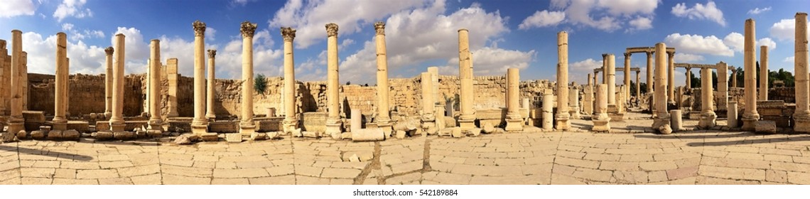 Jerash ruins panoramic view