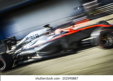 JEREZ, SPAIN - FEBRUARY 2ND: Jenson Button testing his new Mclaren Honda MP4-30 F1 car on the first Test at the Jerez Circuit in Jerez, Andalucia, Spain on Feb. 2, 2015.