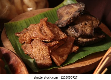 Jerohan Sapi. Beef offal of tripes and lungs, braised in sweet soy sauce. A popular side dish for Pindang and Soto Kudus.