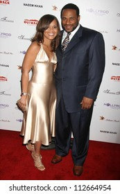 Jerome Bettis and wife Trameka at the DESIGNCARE 2007 Fundraiser to benefit those battling debilitating disease and life circumstances. Private Residence, Malibu, CA. 07-21-07