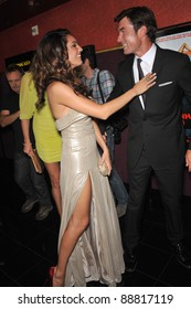 """Jerry O'Connell & Kelly Brook at the Los Angeles premiere of their new movie """"Piranha 3D"""" at Mann's Chinese 6 Theatre, Hollywood. August 18, 2010  Los Angeles, CA Picture: Paul Smith / Featureflash"""