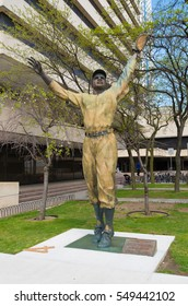 "JERSEY CITY, USA - APRIL 27, 2016:  Jackie Robinson statue in Journal square. It commemorates Jackie Robinson""??s groundbreaking first major league game at nearby Roosevelt Field"