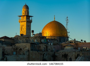 Jerusalem holy places Panoramic view of the Temple Mount, Dome of the Rock and Al Aqsa Mosque from the Mount of Olives
